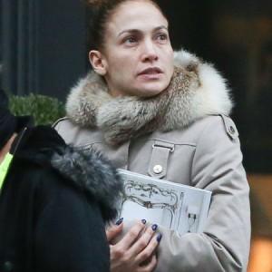 Что случилось с лицом Дженнифер Лопес?
