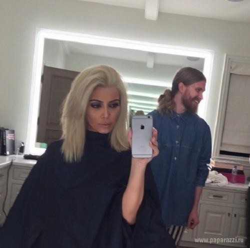 PSA Kim Kardashians New Platinum Blonde Hair IS NOT A