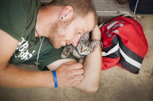 Touching photos capture the bond between homeless people and their loyal pets, America, June 2014