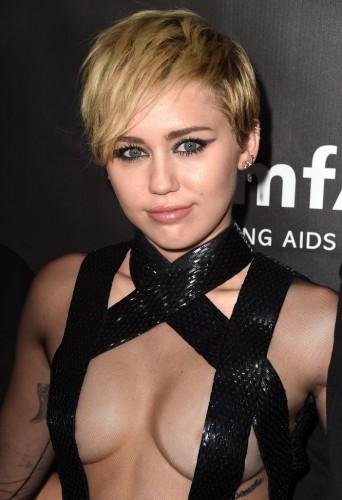 Miley-Cyrus-Hair-Evolution