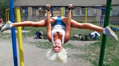 упражнения-для-девушек-на-турнике