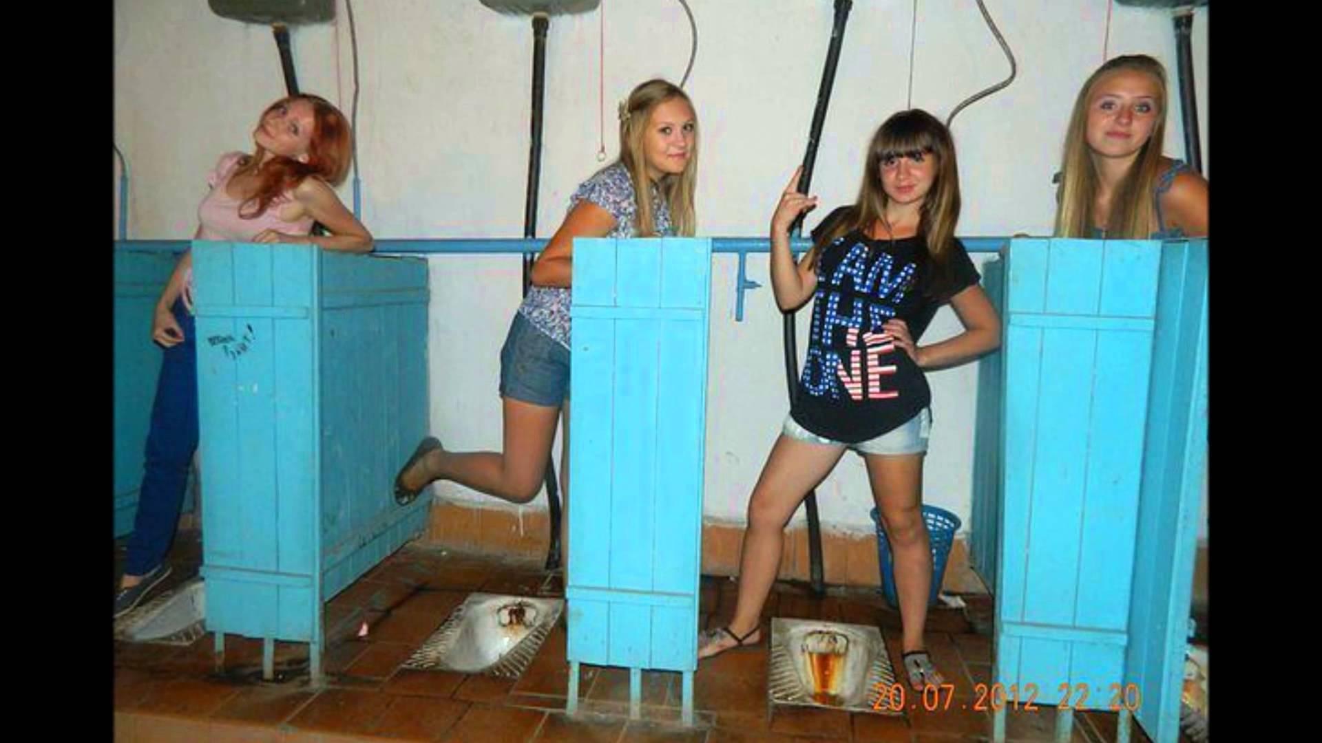 Секс в туалете одна на двоих, Пьяную ебут в туалете клуба -видео. Смотреть 5 фотография