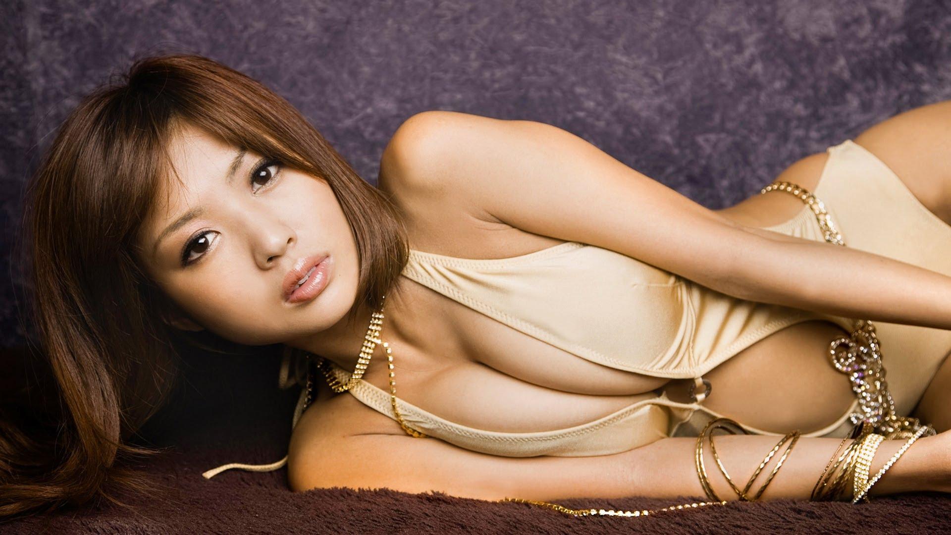 Секс с японкой в самолете 4 фотография