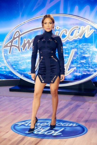 2-Jennifer-Lopez-wears-Thierry-Mugler-Fall-2015-Navy-Embellished-Dress-and-Casadei-Heels-to-American-Idols-Philadelphia-Auditions-667x1000