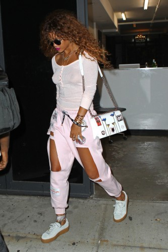 INF - Rihanna Flashes Her Thighs in Pink Cutout Sweatpants