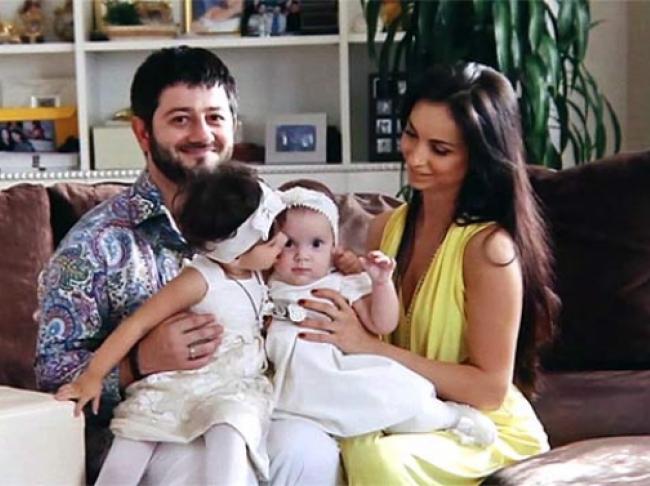 галустян с женой фото с детьми