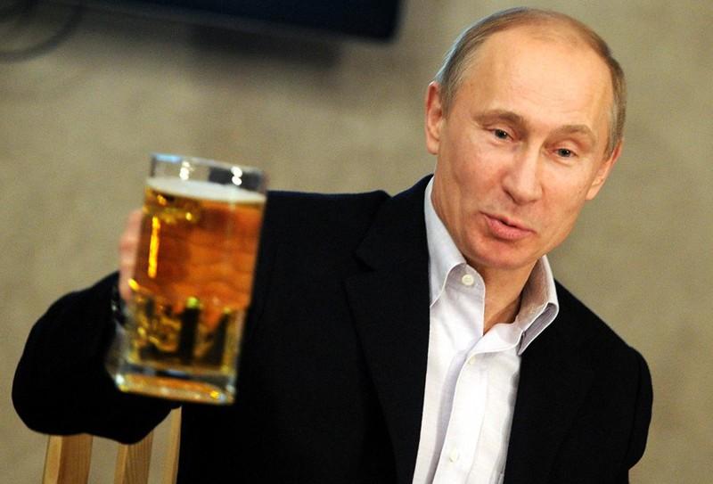 Картинки по запросу пьют пиво