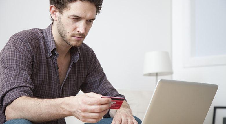kredit-na-kartu-onlajn-srochno-ne-vyxodya-iz-doma-do-50000-rublej