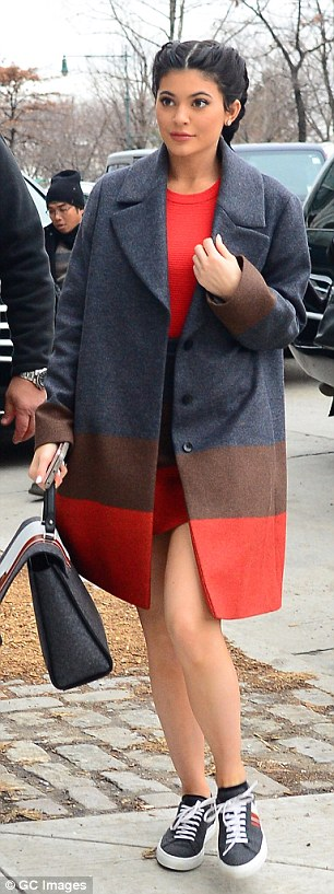 31534E9100000578-3451866-Another_day_another_show_Kylie_Jenner_was_pictured_wearing_headi-a-43_1455748312268