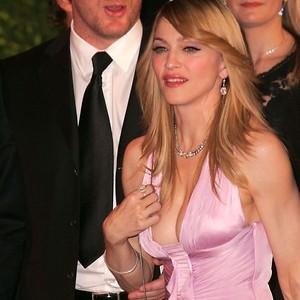 Скандальная битва Мадонны за сына превращается в «бой без правил»