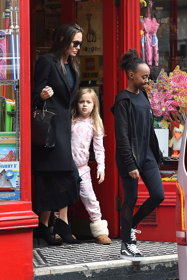 ***SEMI-EXCLUSIVE WITH XPOSURE*** Angelina Jolie and Brad Pitt take two of their children Vivienne and Zahara to a toy shop, to buy a variety of toys, including several large boxes of Lego.