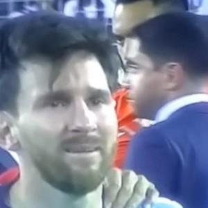Плач Месси: лучший футболист мира переживает
