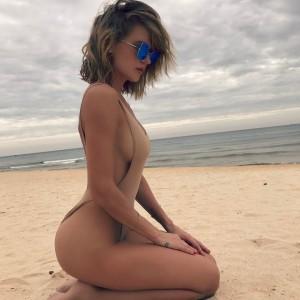 Пляжные снимки Глюкозы взбесили подписчиков (9 фото)
